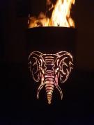 feuertonne-elefant-frontal