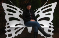 garten-bank-butterfly-metal